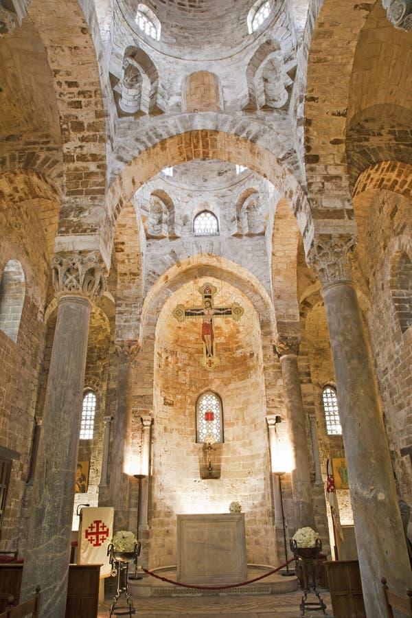 Palermo - huvudsakligt skepp av Romanic kyrkliga San Cataldo royaltyfri fotografi
