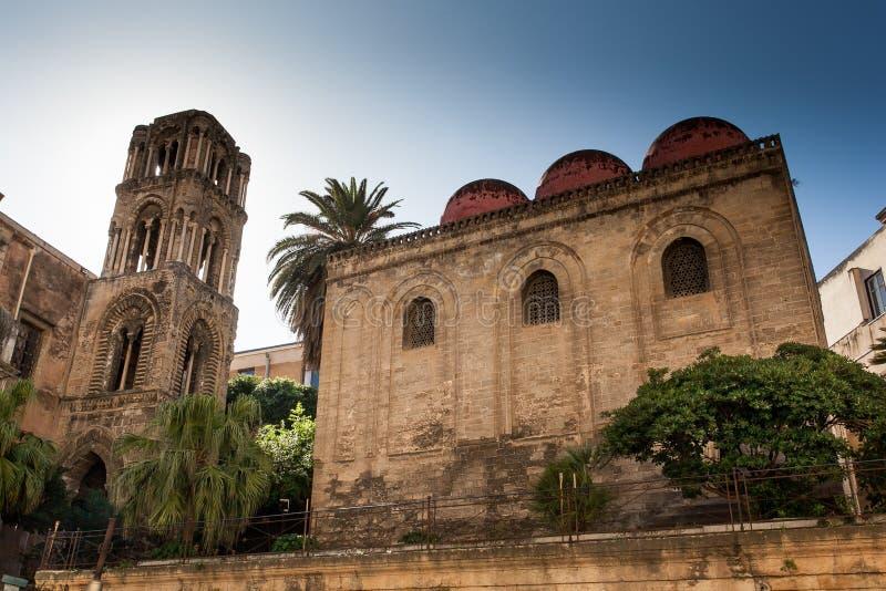 PALERMO, ITALIË - Oktober 14, 2009: kerk van stock afbeelding