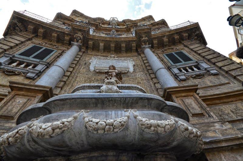 Palermo Italien, Sicilien Augusti 24 2015 Quattro Canti eller piazza Villena arkivbilder