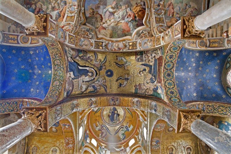 Palermo - mosaico de la natividad en techo de la iglesia del dell Ammiraglio de Santa Maria imagen de archivo libre de regalías