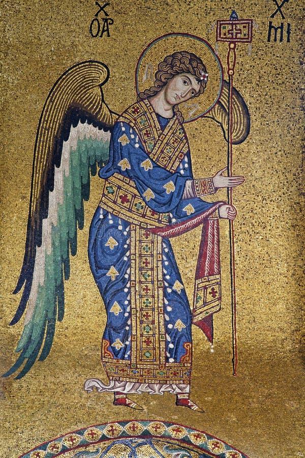 Palermo - mosaico del arcángel Michael de la iglesia del dell Ammiraglio de Santa Maria fotografía de archivo