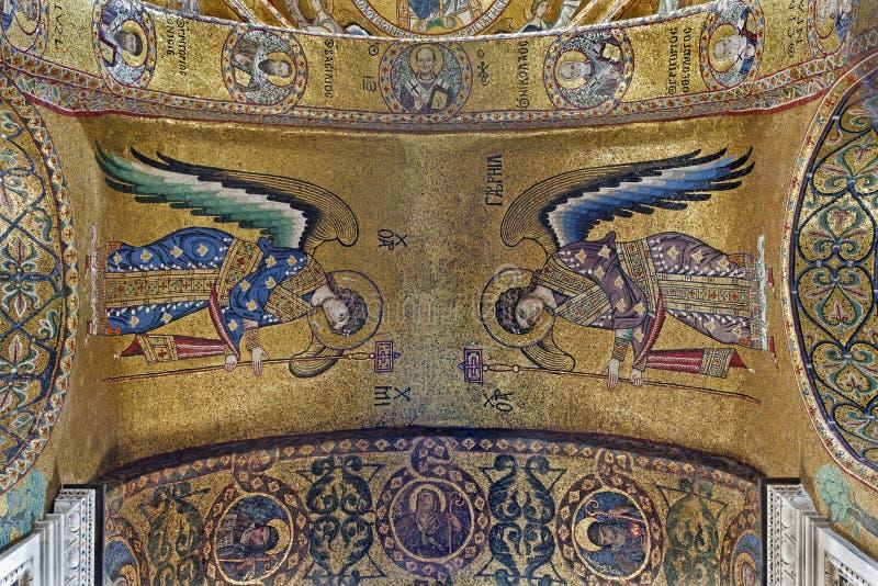 Palermo - mosaico del arcángel Michael y Gabriel del techo en la iglesia del dell Ammiraglio de Santa Maria foto de archivo libre de regalías