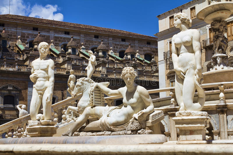 Palermo piazza Pretoria arkivfoton