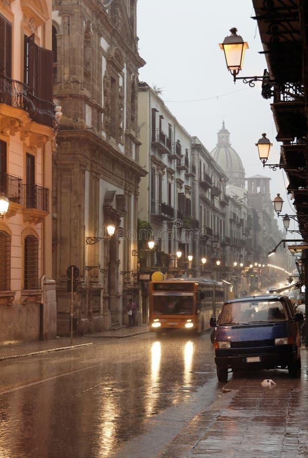 palermo rain street under στοκ φωτογραφίες με δικαίωμα ελεύθερης χρήσης