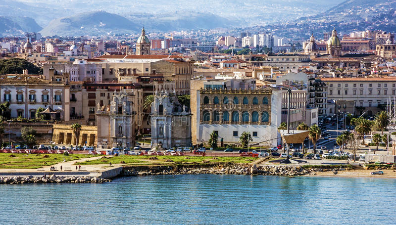 Palermo sjösida i Sicilien, Italien Sjösidasikt royaltyfri foto