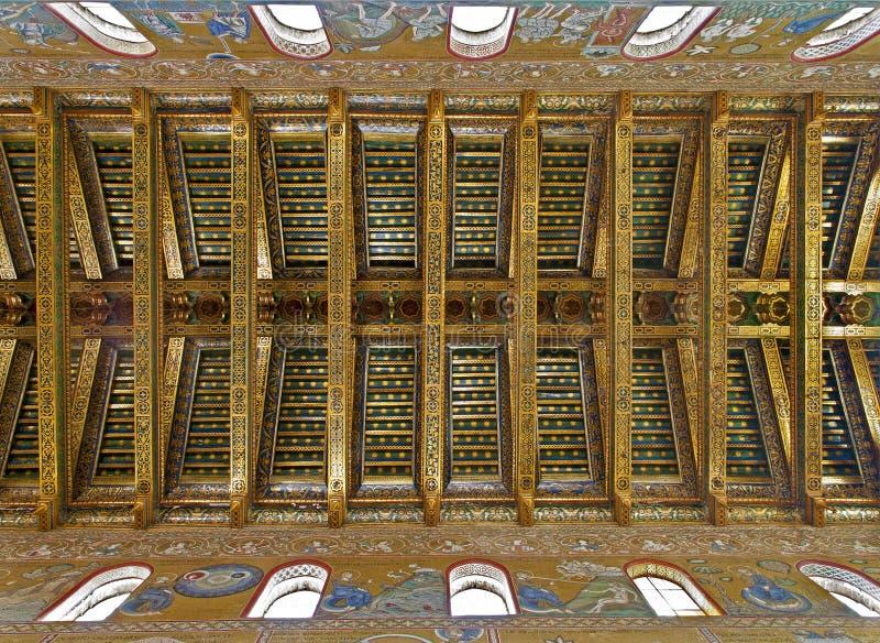 Palermo soffitto della navata principale nella for Soffitto della cattedrale di legno
