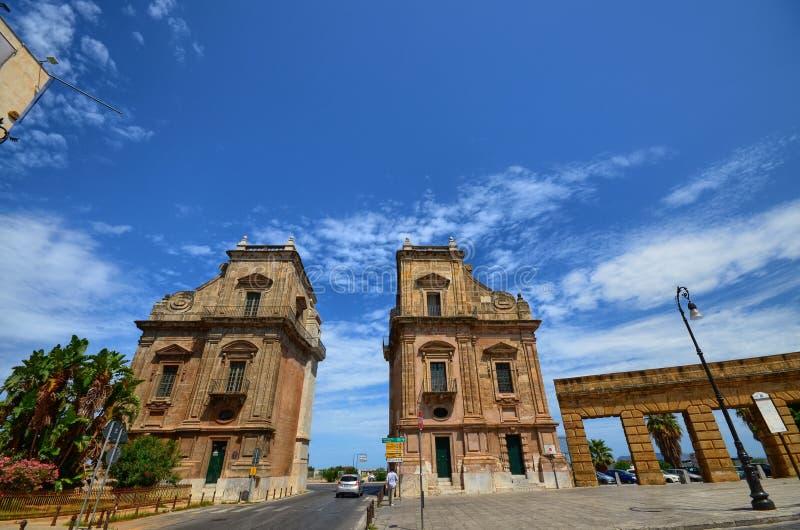 Palermo, Włochy, Sicily Sierpień 24 2015 Antyczne bramy miasto Porta Felice zdjęcia royalty free