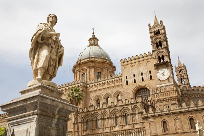 Palermo - Zuidenportaal van Kathedraal of Duomo stock foto's