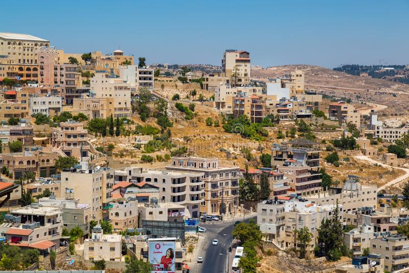 Palestina, Israël-Augustus - stad op de berg stock foto's