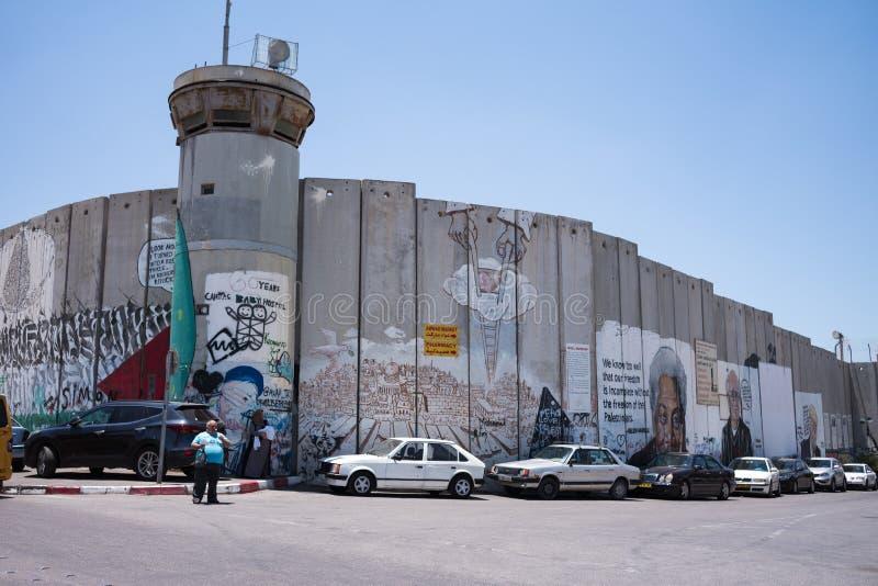 Palestyńczyk strona Izraelicka separacyjna ściana w Betlejem z graffiti sztuką obrazy stock