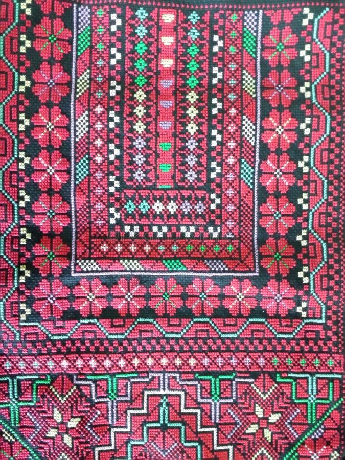 Palestyńska geometryczna broderia - czerwień obrazy stock