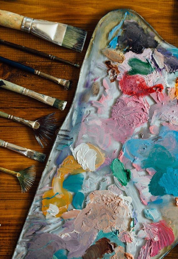 Paleta de pinturas de óleo imagens de stock royalty free