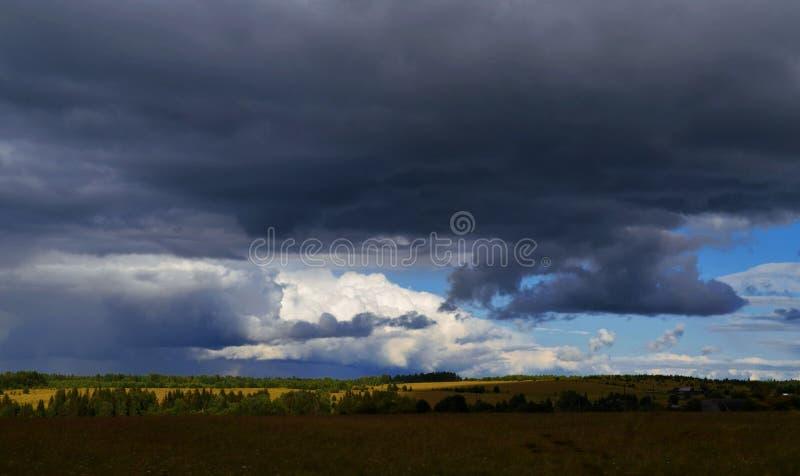 Paleta de várias nuvens fotografia de stock royalty free