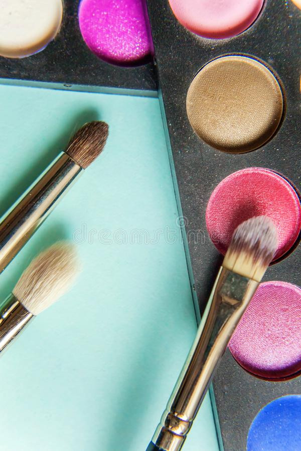 Paleta e escovas da composição imagens de stock