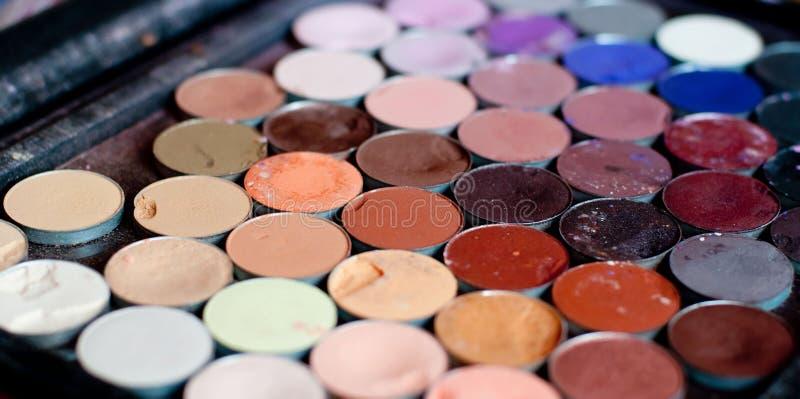Paleta multicolora del maquillaje para el maquillaje profesional Fondo foto de archivo