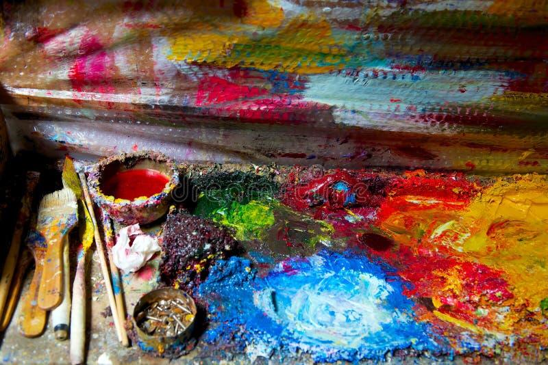 Palett för olje- målarfärg för konstnär arkivfoton