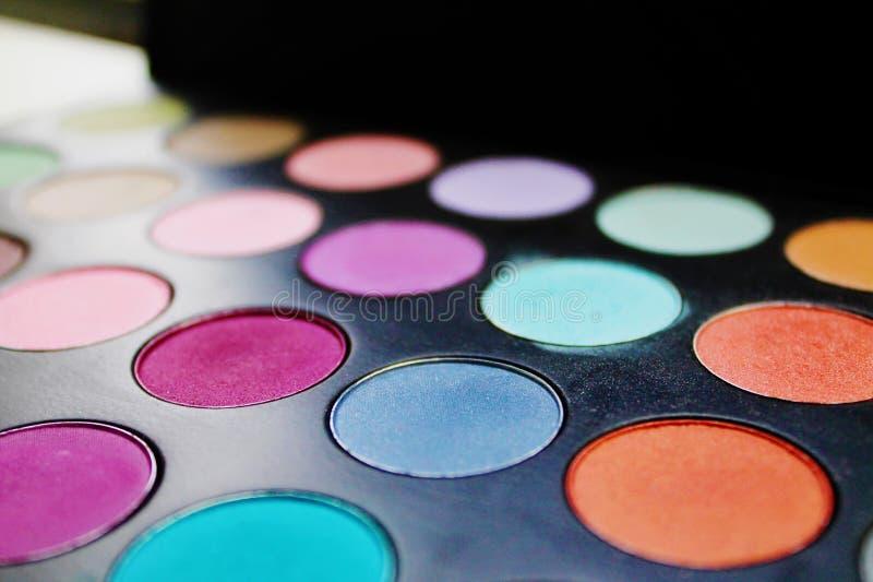 Palette multicolore de fard à paupières photographie stock libre de droits