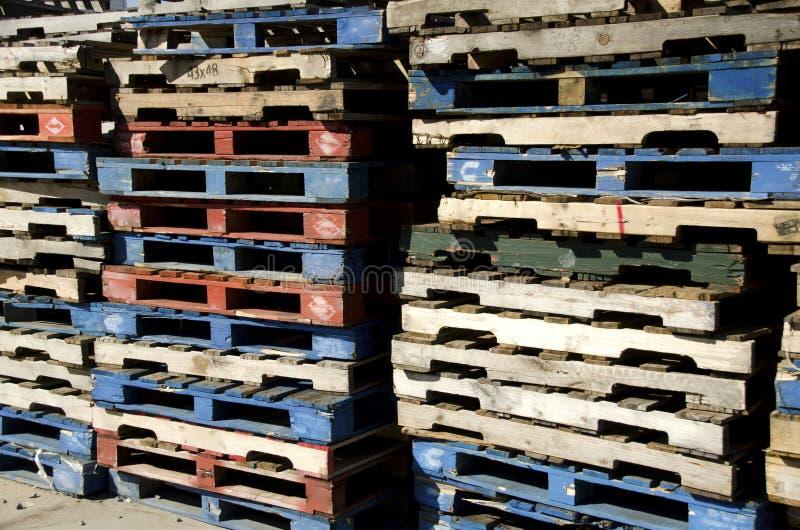 Palettes en bois photos stock
