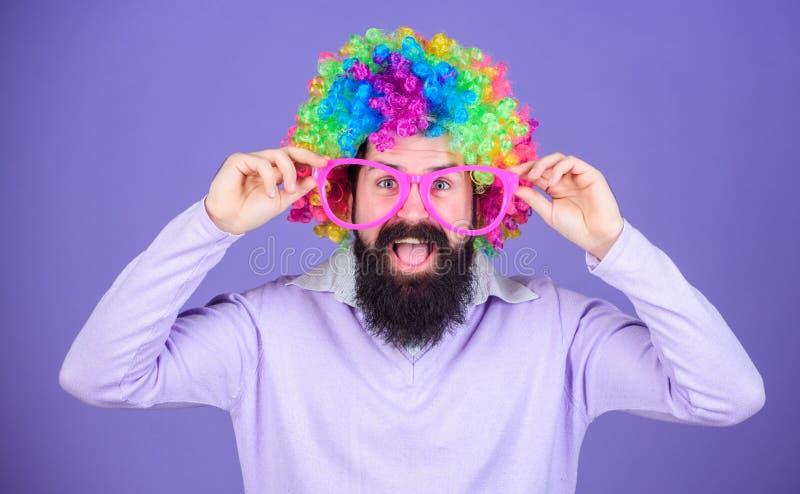 Palhaço e circo Divertimento do partido Aprecie ser louco Sinta livre expressar-se Tendo o divertimento Divertimento e carnaval d foto de stock royalty free