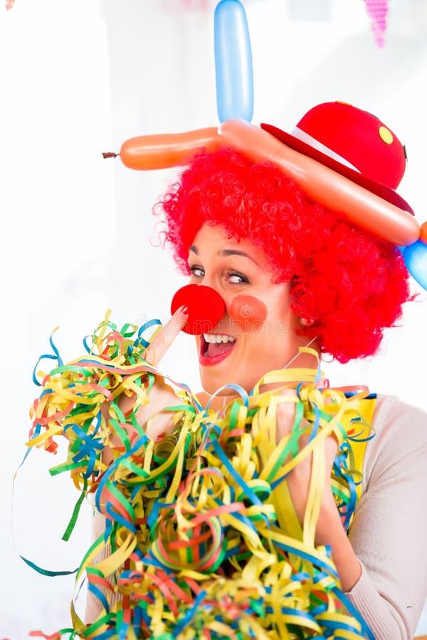 Palhaço engraçado no partido ou no carnaval fotografia de stock royalty free