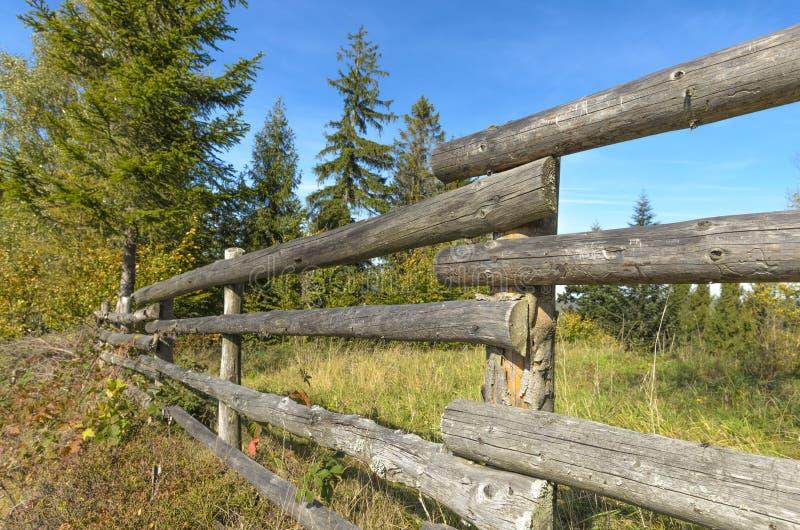 Palika ogrodzenie w wsi obrazy royalty free
