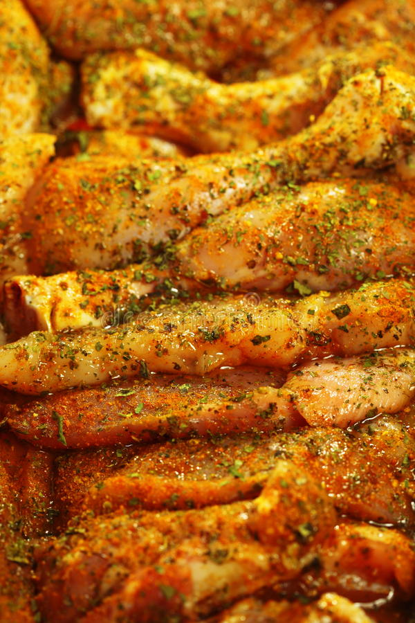 Download Palillo Adobado Crudo De La Carne Del Pollo Del Primer Foto de archivo - Imagen de carne, pollo: 44854756