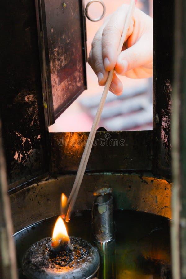 Palillos de ídolo chino de la quemadura fotografía de archivo libre de regalías