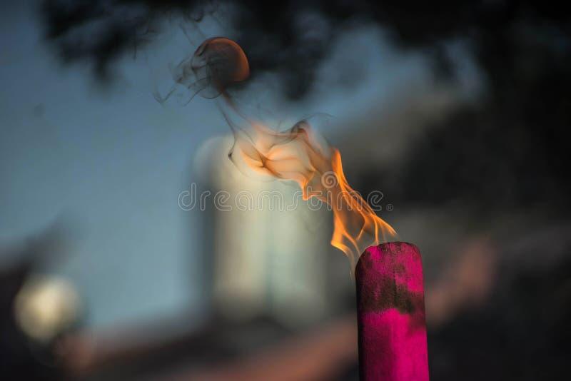 Palillos de ídolo chino de la quemadura foto de archivo libre de regalías