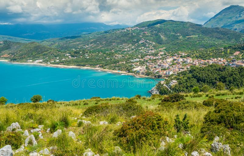 Palinuro,奇伦托,褶皱藻属,意大利南部全景沿海看法  库存图片