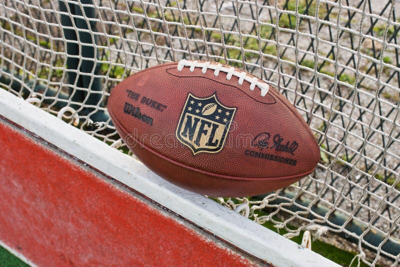 Palla del funzionario del NFL immagine stock libera da diritti