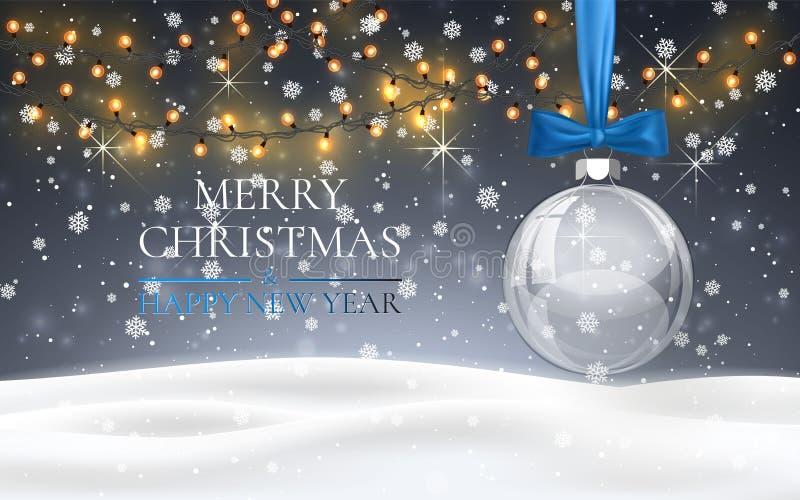 Palla di Natale con l'arco blu, paesaggio nevoso del terreno boscoso di notte con neve di caduta, ghirlanda leggera, fiocchi di n illustrazione vettoriale