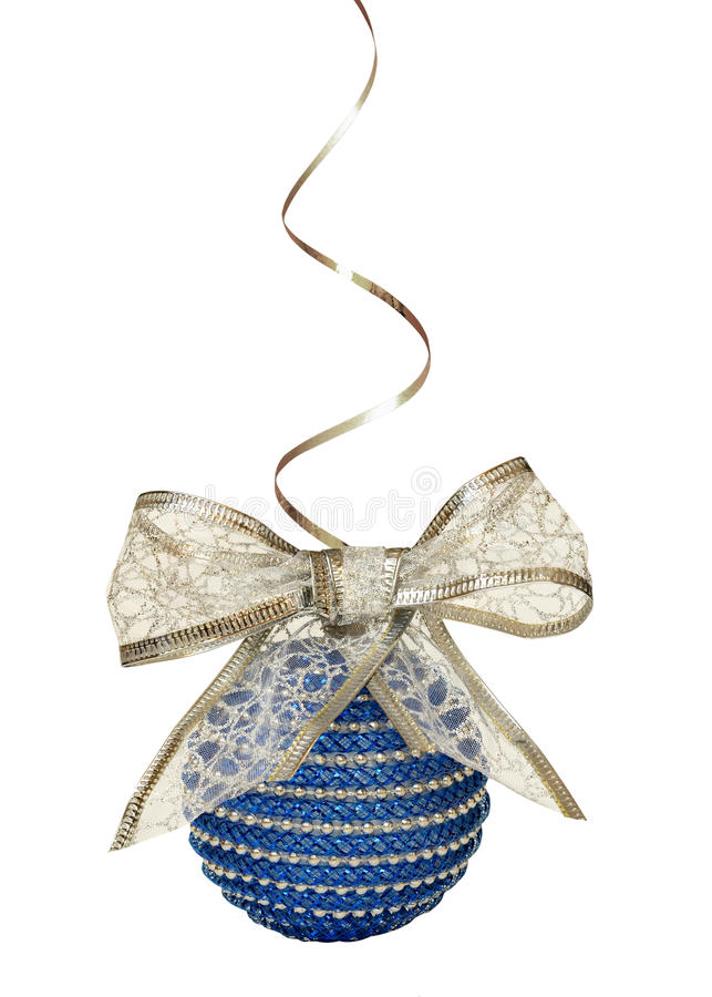 Palla di Natale ed arco blu del nastro dell'argento immagine stock