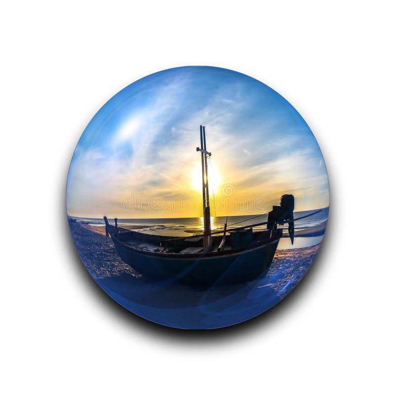 Palla di vetro astratta isolata con bella alba di tramonto e barca di trasporto della siluetta dentro con il percorso di ritaglio illustrazione vettoriale