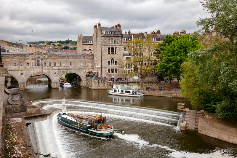Palladian Pulteney Bridge and the weir at Bath Somerset South We stock photography