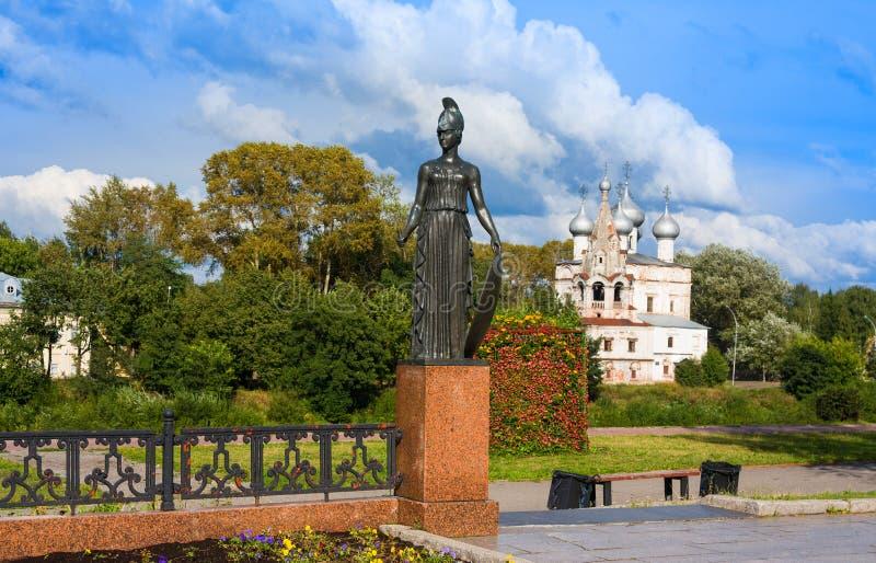 Pallas athena Detalle del monumento de la escultura al poeta ruso Konstantin Batyushkov, Vologda, Rus fotografía de archivo libre de regalías