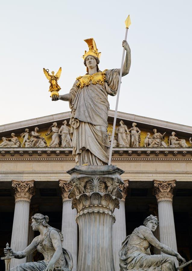 Pallas Athena-Monument vor dem österreichischen Parlament stockfoto