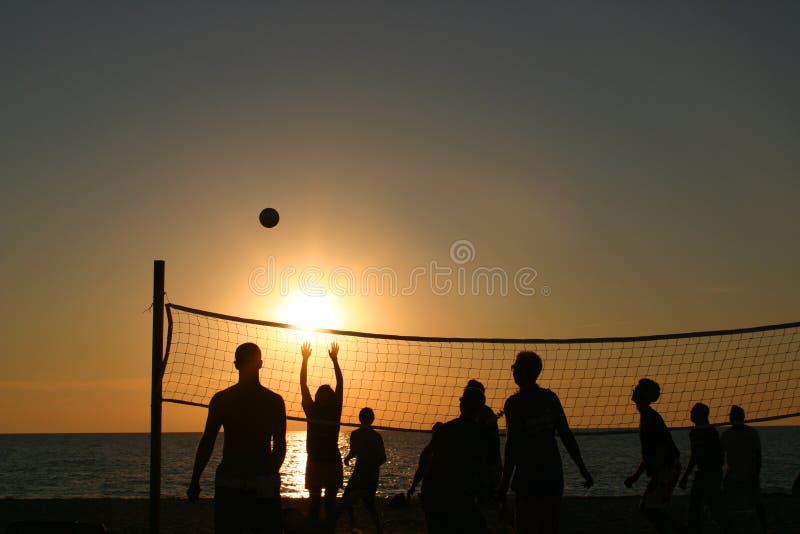 Download Pallavolo della spiaggia fotografia stock. Immagine di partito - 221732