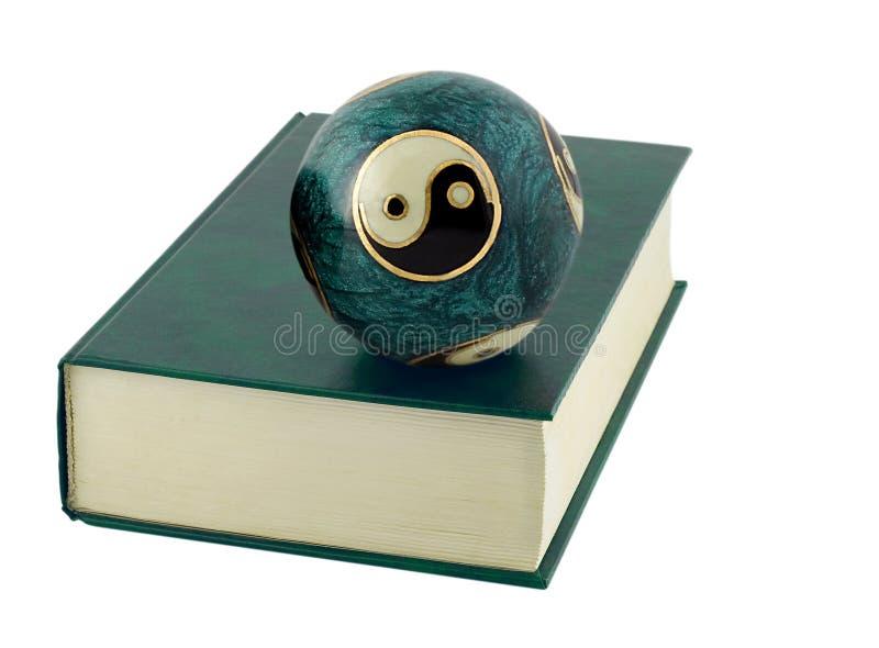 palle cinesi nella copertina di libro fotografie stock libere da diritti