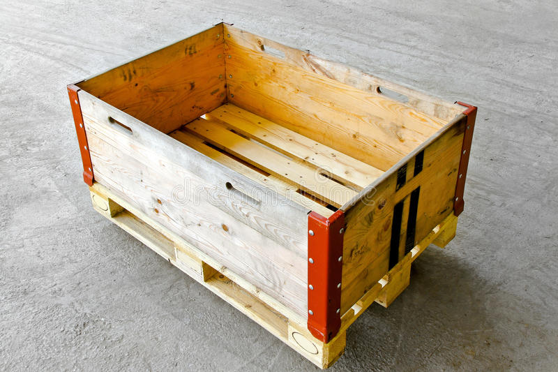 Download Pallet Box Royalty Free Stock Photography - Image: 16179267