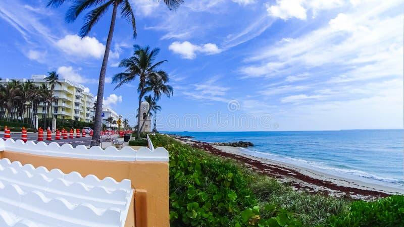 Palm Beach Florida, USA klockatorn på värd ave arkivfoton