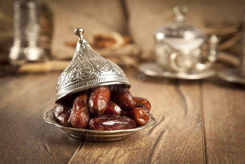 A palma de data secada frutifica ou kurma, alimento (ramazan) de ramadan imagem de stock