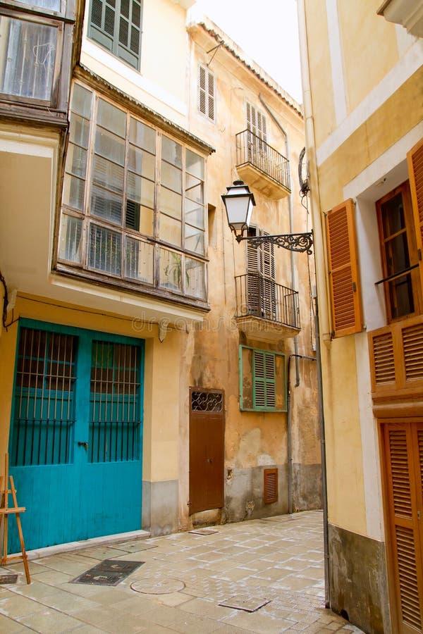 Palma de Mallorca老市西班牙语人聚居的区域Calatrava街道 免版税库存照片