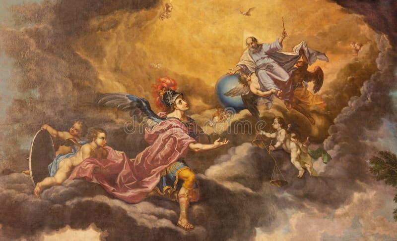PALMA DE MALLORCA, ИСПАНИЯ, 2019: Картина бога Архангел создателя и St Michael в пресвитерие церков San Miguel стоковое изображение rf