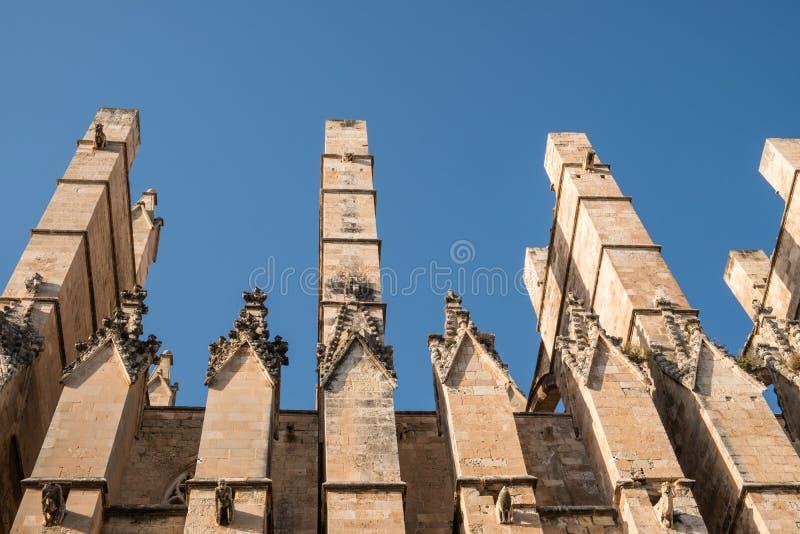 Palma de Mallorca Cathedral en España en un día de verano foto de archivo