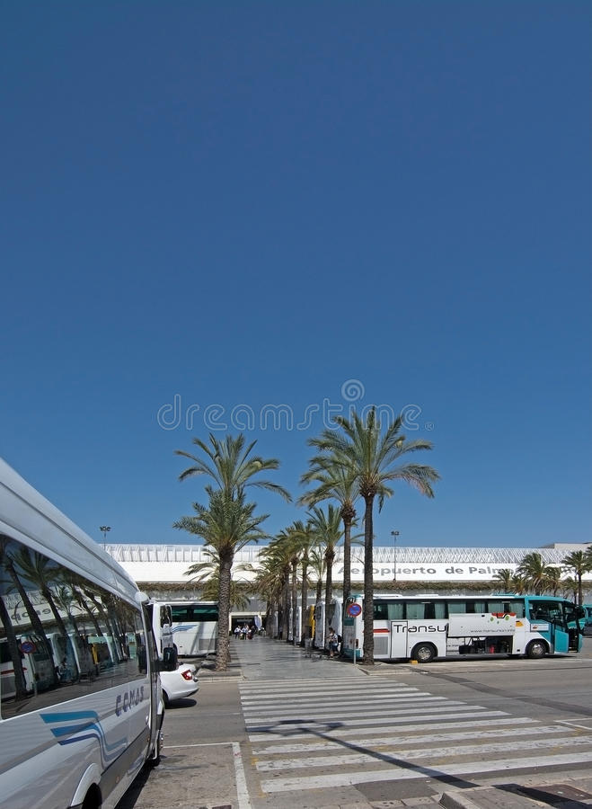Palma de Mallorca-luchthaven in Juli stock foto