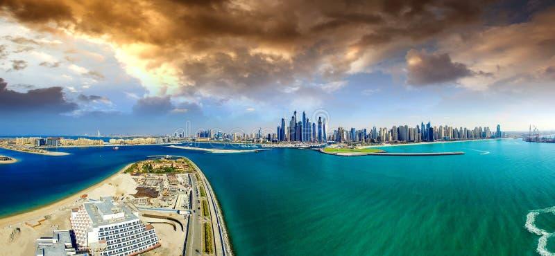 Palma Jumeirah, ilha de palma, Dubai, Emiratos Árabes Unidos aéreo fotografia de stock