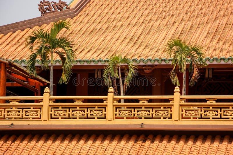 Palma sul tetto del tempio fotografie stock libere da diritti