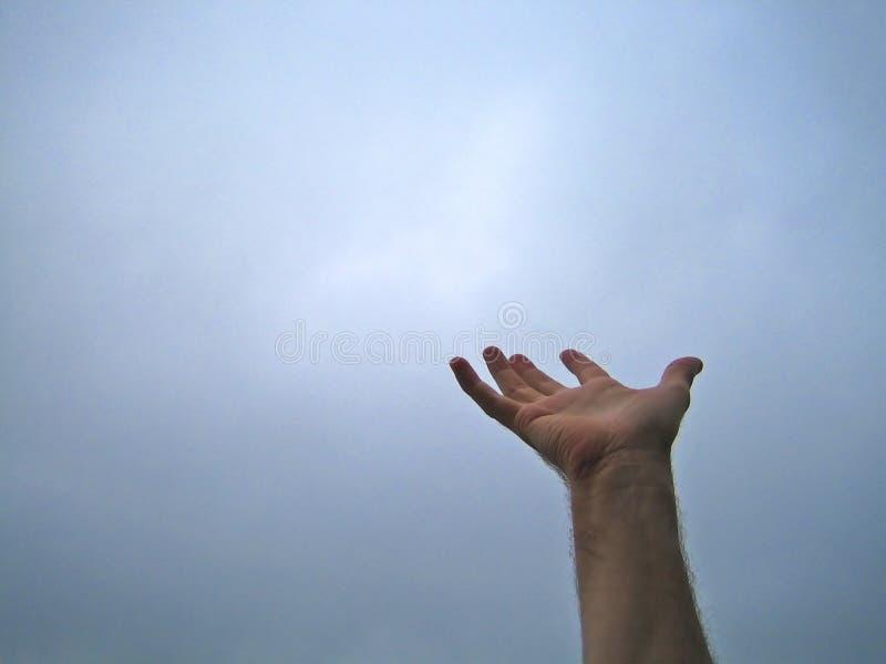 Palma sulla mano dell'uomo del cielo 7239 immagine stock libera da diritti