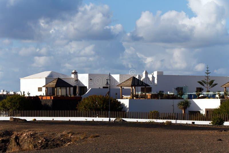 Palme und Montana Baja, Lanzarote stockfotos