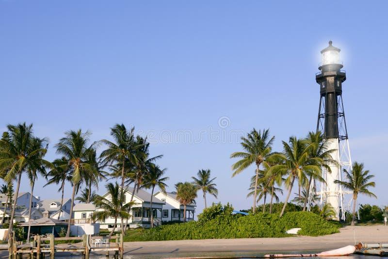 Palmeras del faro de la playa del pompano de la Florida imagen de archivo libre de regalías